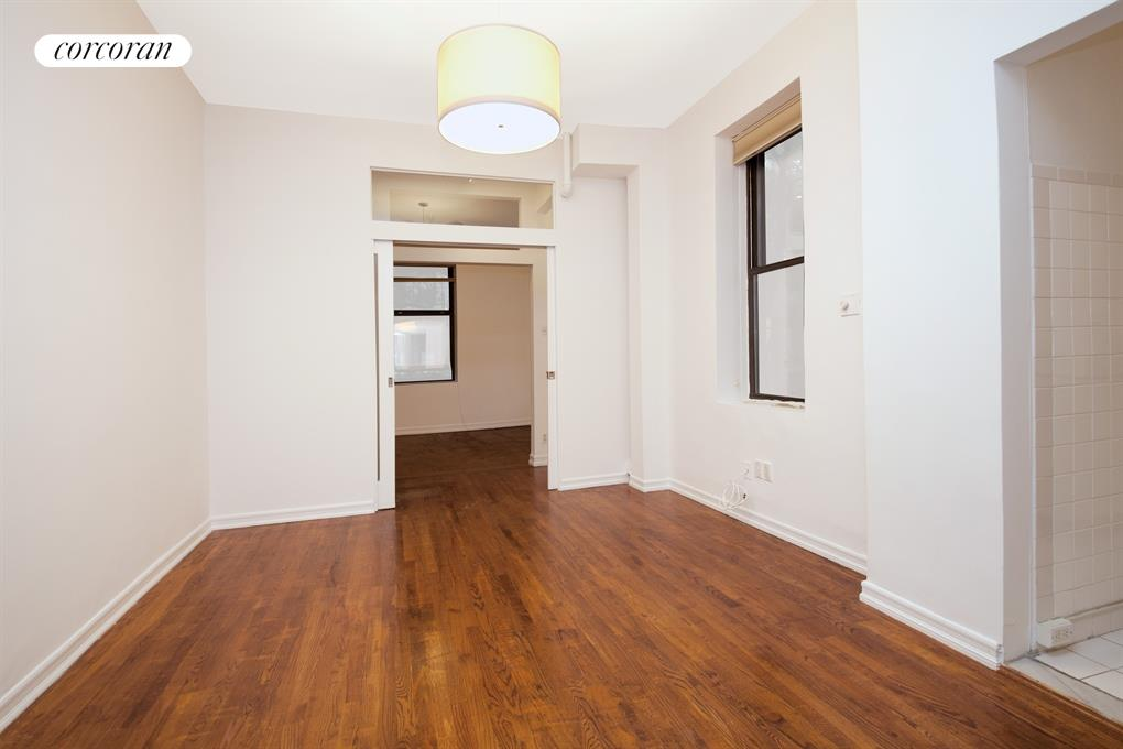 135 West 16th Street, 17, Living Room