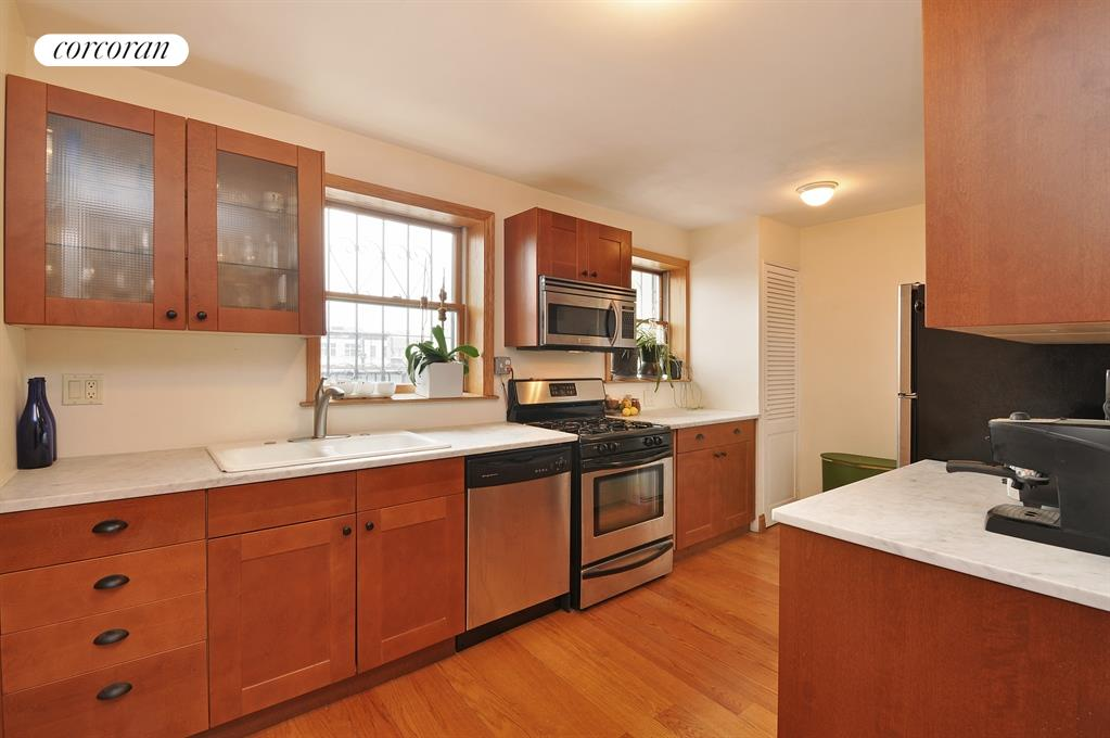 147 Broadway, 4, Living Room / Dining Room