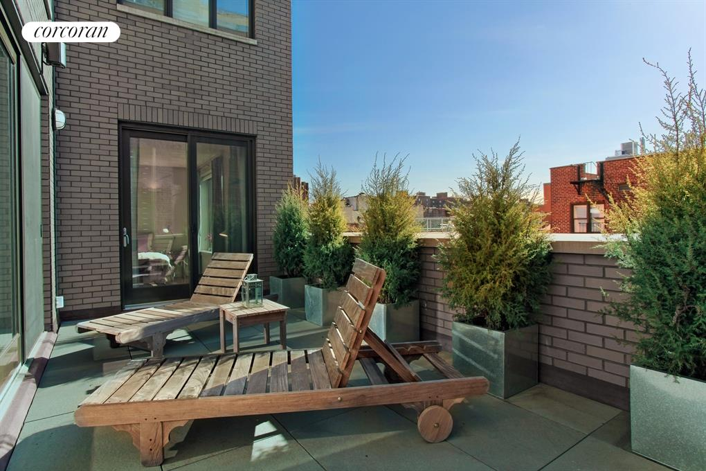 316 East 22nd Street, PH1, Showcasing a Beautiful Volume of Space