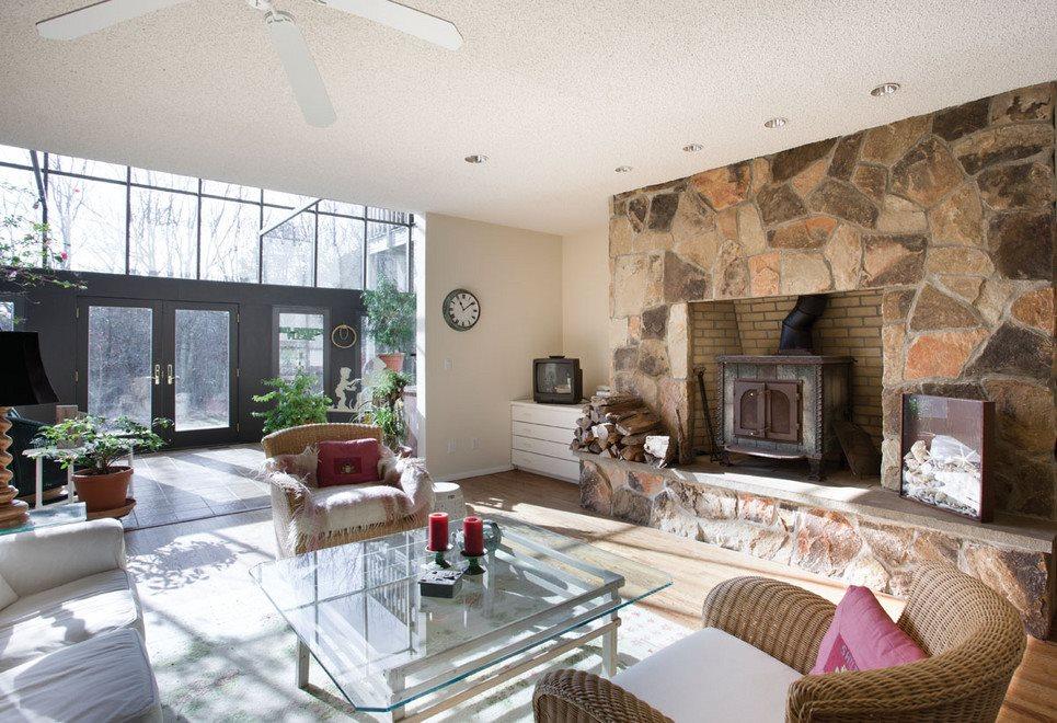 1st Floor Den & Fireplace