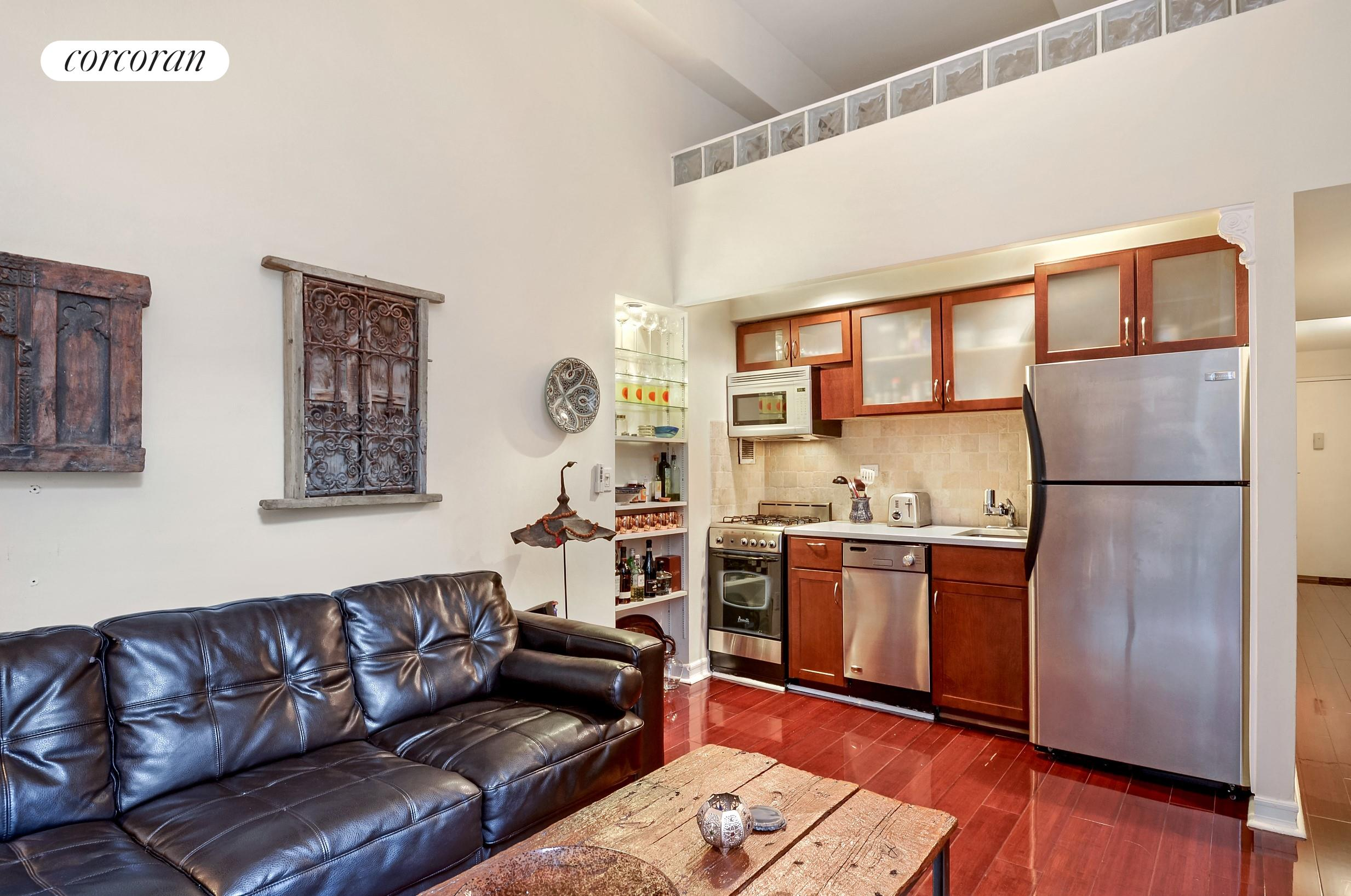 350 East 62nd Street, 2K, Living Room