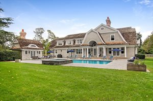 Spend Your Summer In Style In Bridgehampton South, Bridgehampton