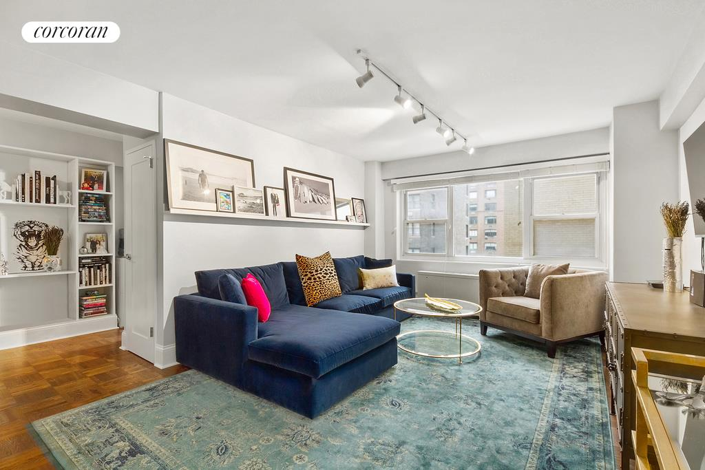 345 East 56th Street, 11K, Living Room