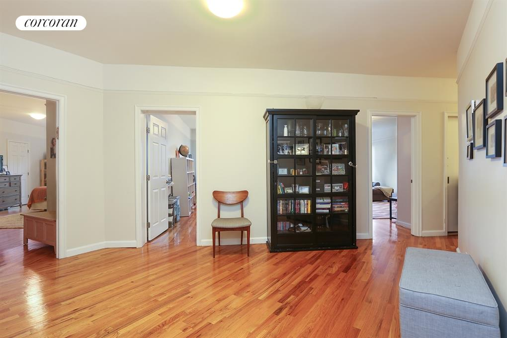 779 Riverside Drive, C33, Living Room