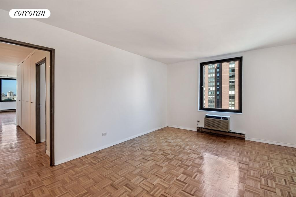 1601 Third Avenue, 28H, Amazing Views from the Living Room