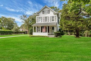 110 Butter Lane, Bridgehampton