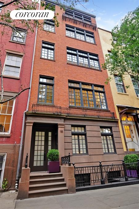 Fully restored prewar townhouse