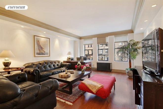 118 West 79th Street, 4A, Huge master bedroom with en-suite bathroom