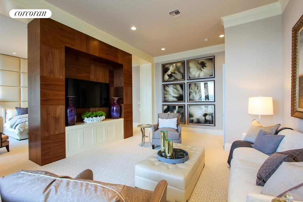 Oversized first floor master suite w/sitting room