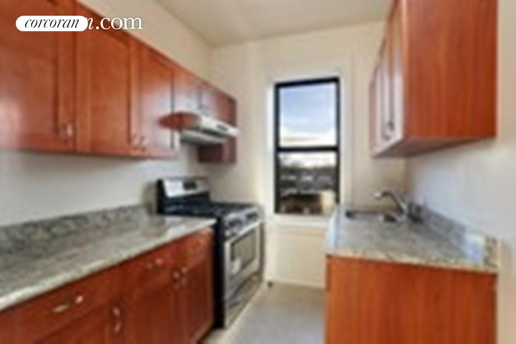 555 Ovington Avenue, C33, Kitchen
