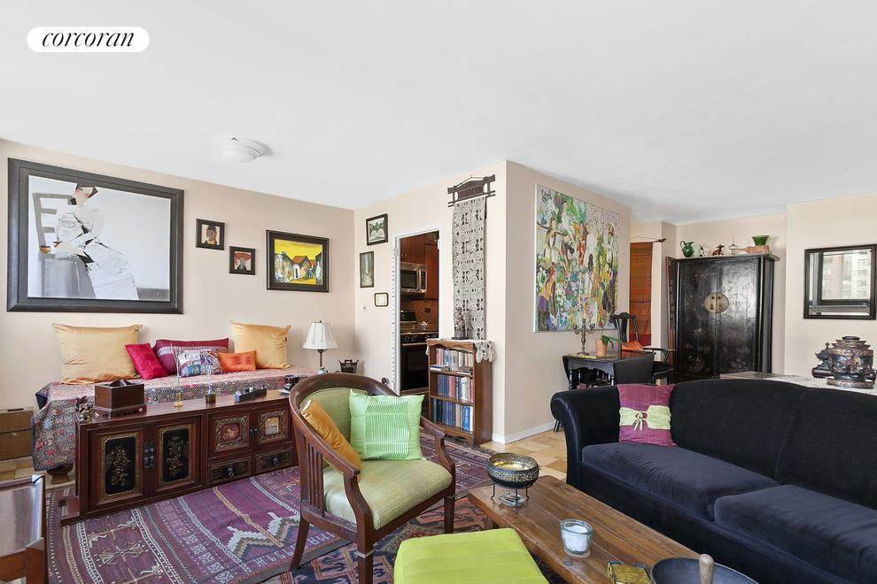 1725 York Avenue, 15G, Sunny Living Room with Open Western Views
