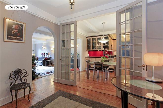 60 Gramercy Park North, 2B, Foyer