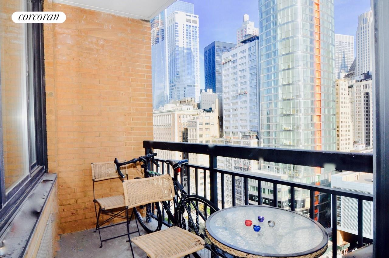 99 BATTERY PLACE 18J Easy To Convert Alcove A One Bedroom