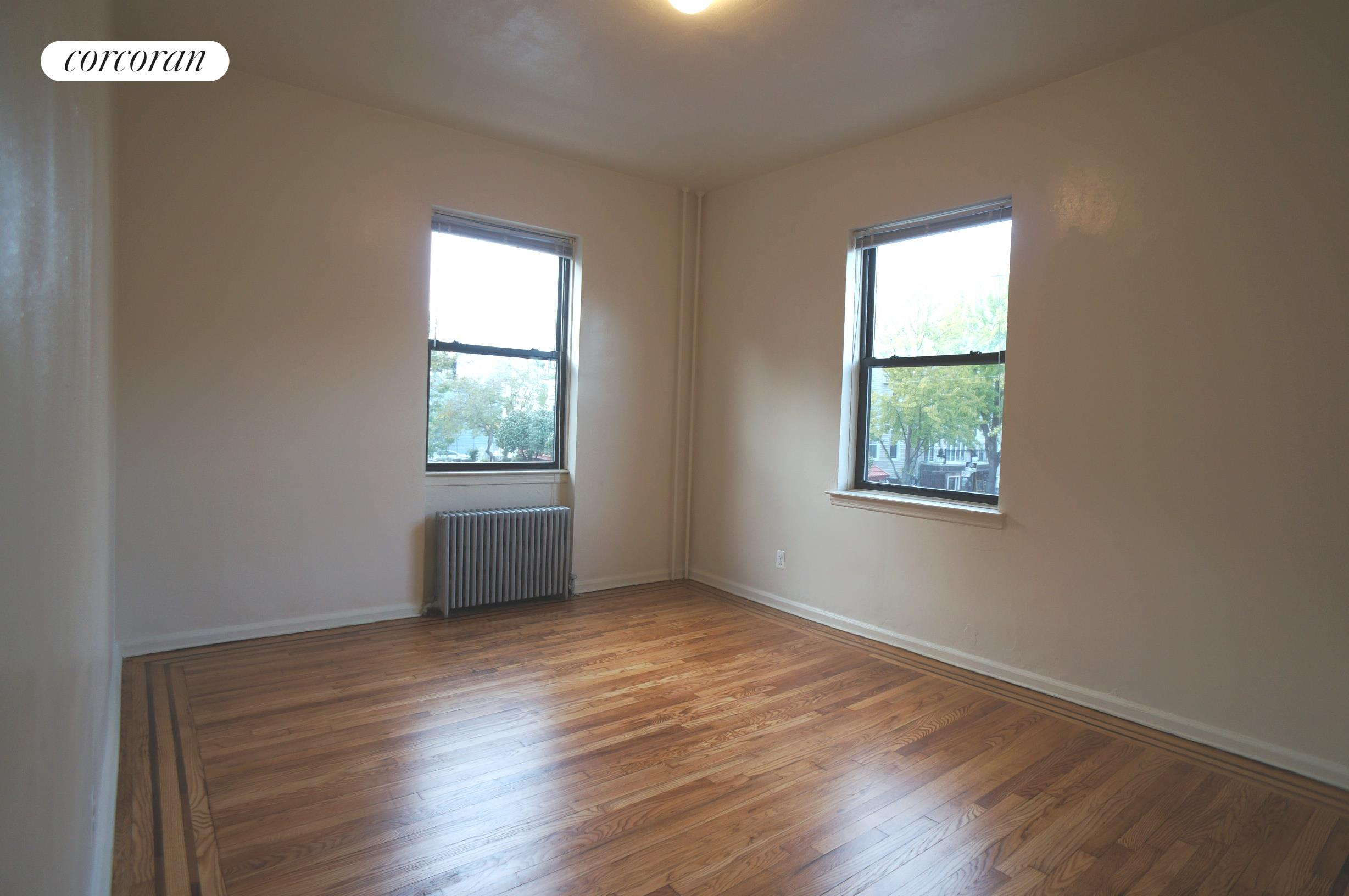 292 Manhattan Avenue, 2F, Living Room