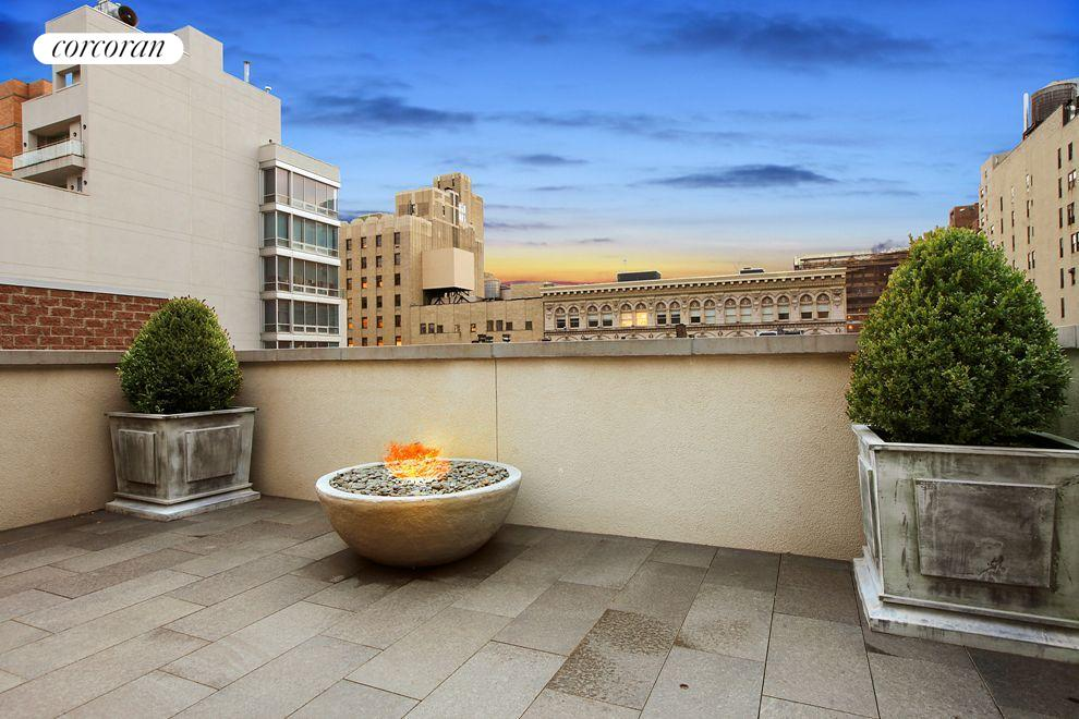 Roof terrace also includes outdoor fire pit