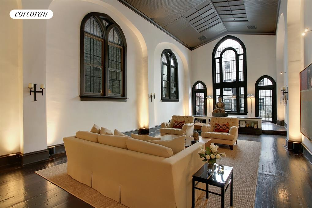 Large great room with cathedral ceilings