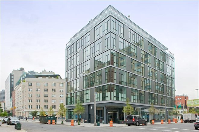 475 Greenwich Street, 2C, Building Exterior