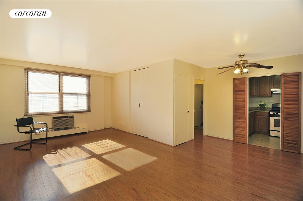 3215 Avenue H, 3B, Living Room