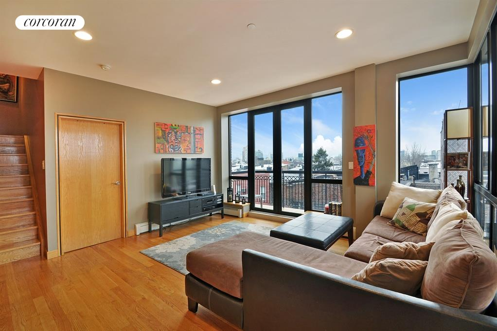116 Conselyea Street, 4A, Living Room