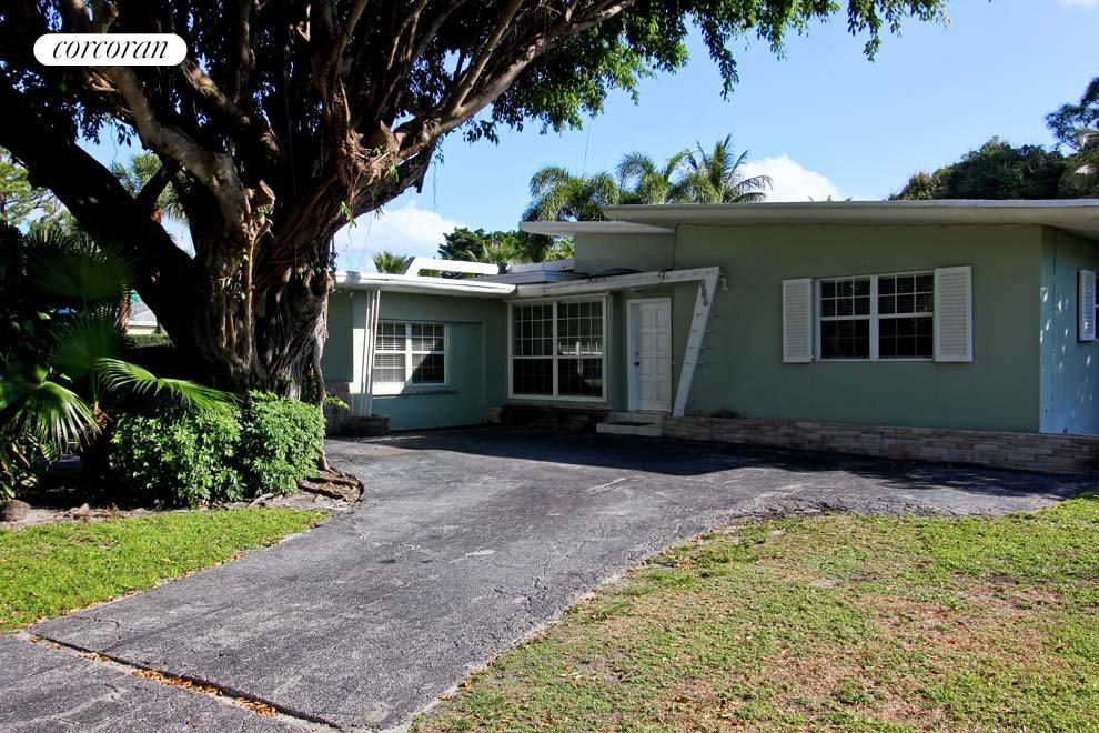 South Florida Real Estate | View 331 NE 8th Avenue | 3 Beds, 3 Baths