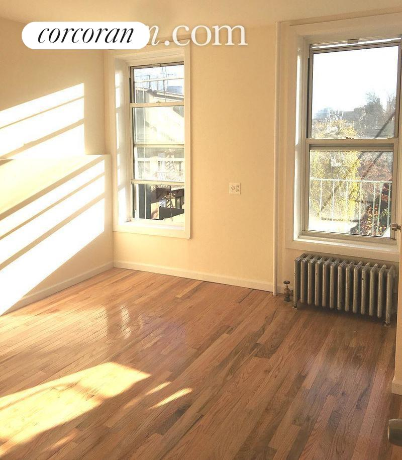 219 5th Avenue, L4, Bedroom