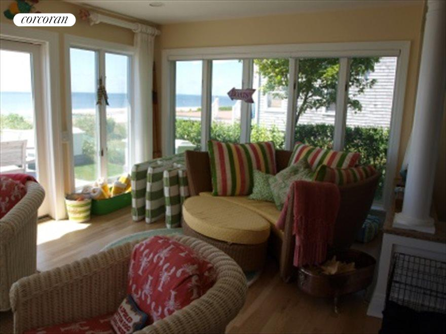 Sitting area with Panoramic Views of the Bay