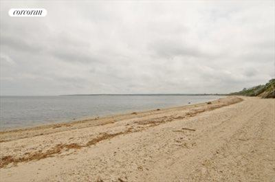 The Hamptons Real Estate | View 29 North Hollow Drive | beach at end of block