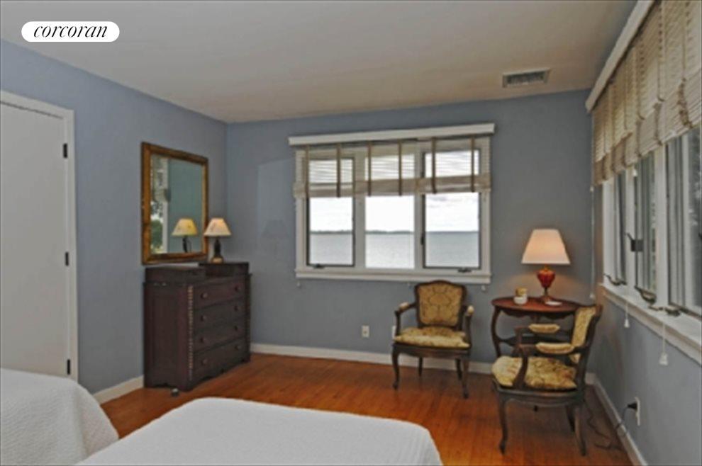 Ensuite Bedroom 1 with waterviews