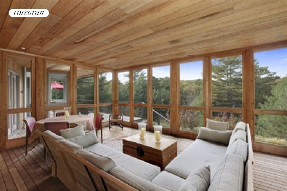 Screened/Glass Panneled Porch