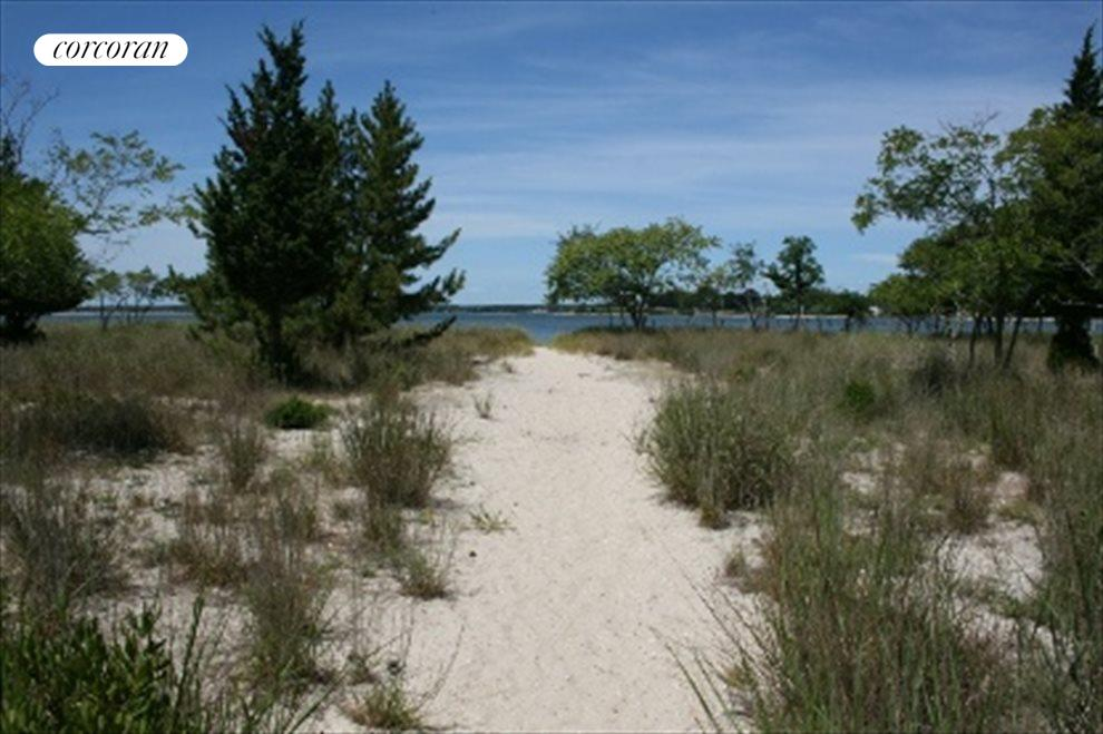 Path to community beach