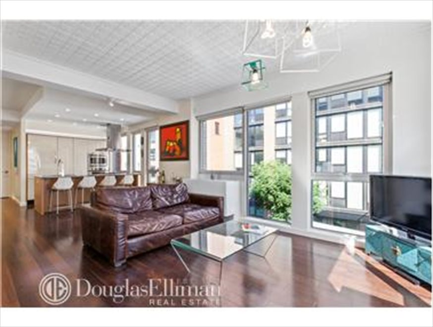 New York City Real Estate | View Berry Street | room 1