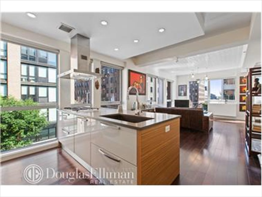 New York City Real Estate | View Berry Street | room 3
