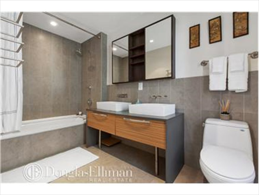 New York City Real Estate | View Berry Street | room 6