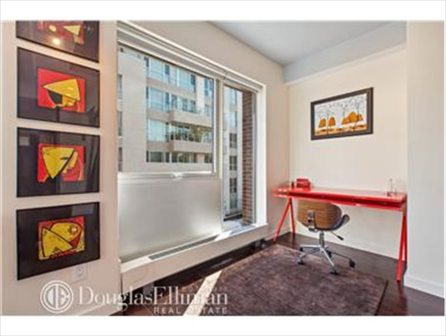 New York City Real Estate | View Berry Street | room 7