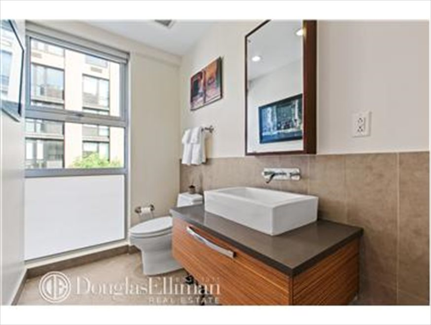 New York City Real Estate | View Berry Street | room 8