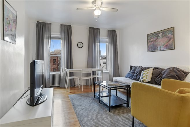 79A Clermont Avenue, 3, Living Room with views of the Freedom Tower