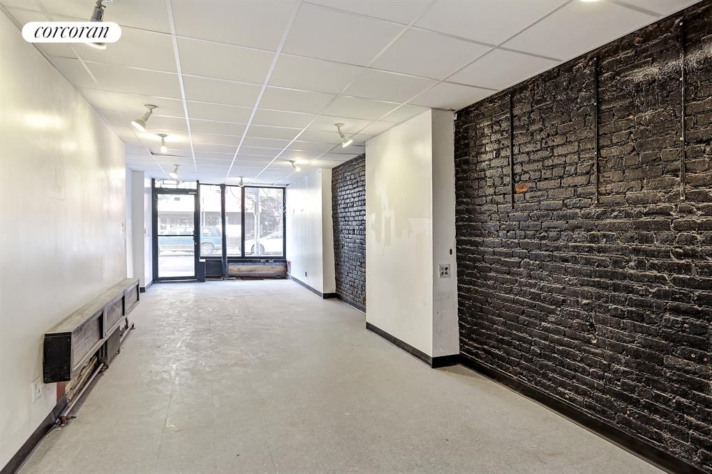183 Avenue B, Prime East Village location