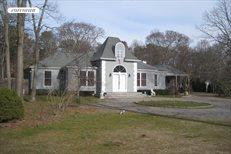 25 Bay Ave W, Hampton Bays