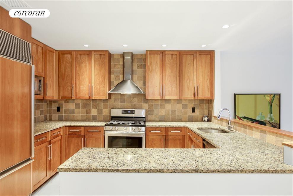 Beautifully Renovated Open Kitchen