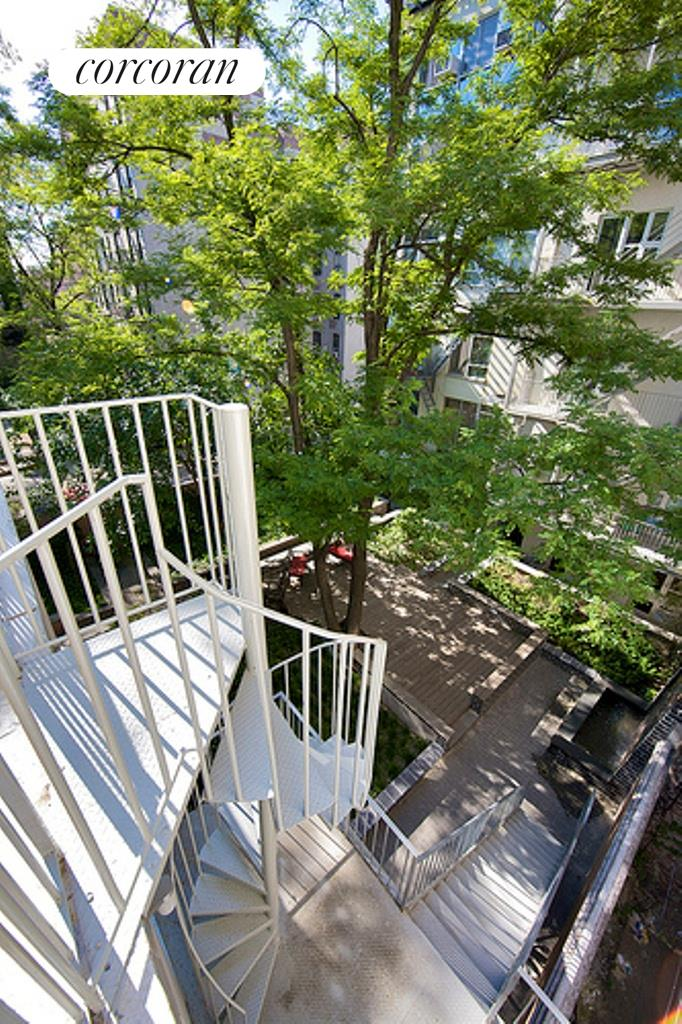 188 South 8th Street, C2-PH, Outdoor Space