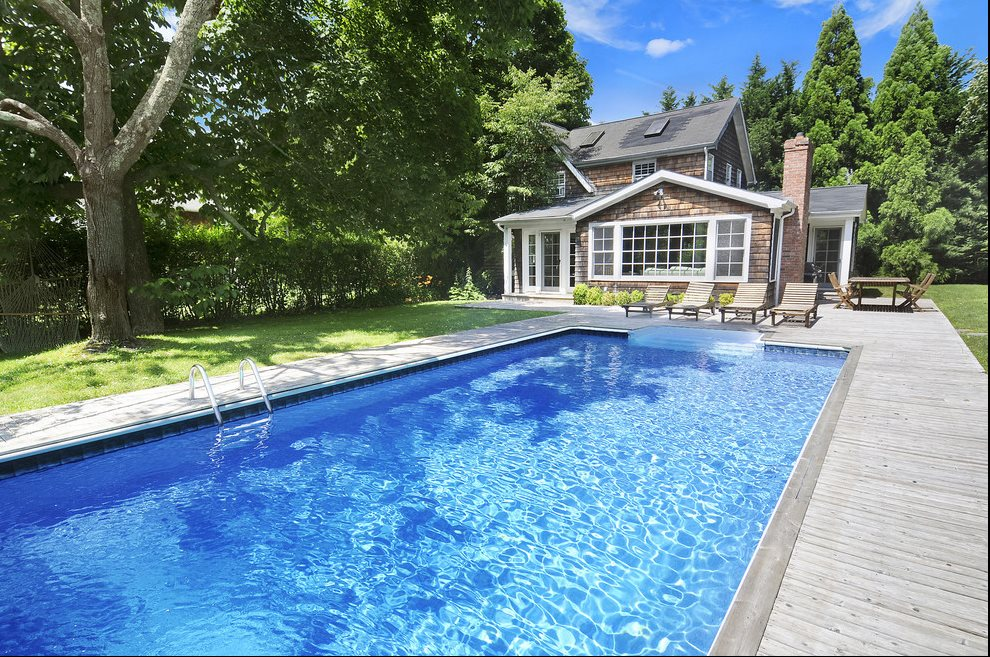 The Hamptons Real Estate | View East Hampton | 5 Beds, 3 Baths