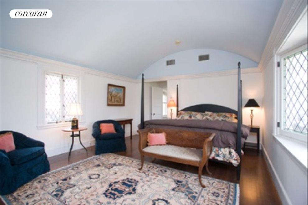 Port Cochere bedroom