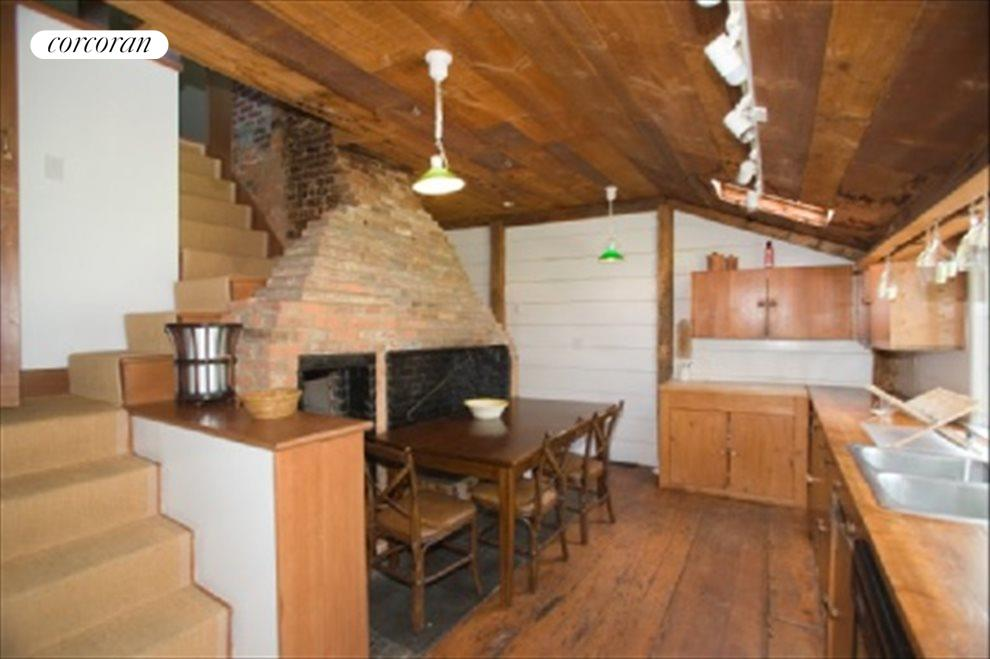Kitchen with beehive oven