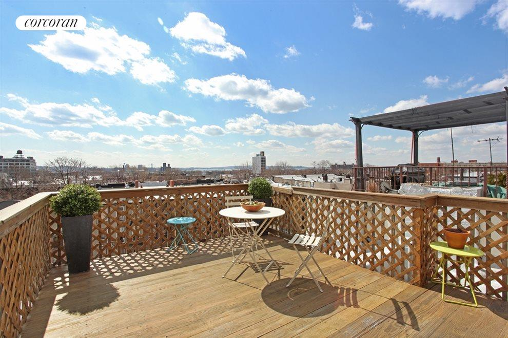 Private Roof Deck w 360 degree views