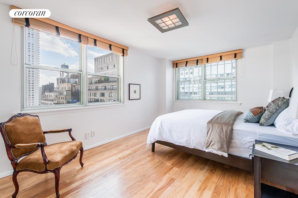 200 East 58th Street, 20A, Loft-like Living and Dining
