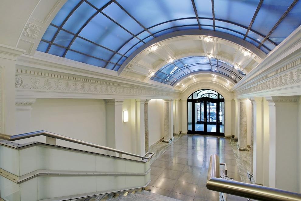 Beautifully Renovated Lobby