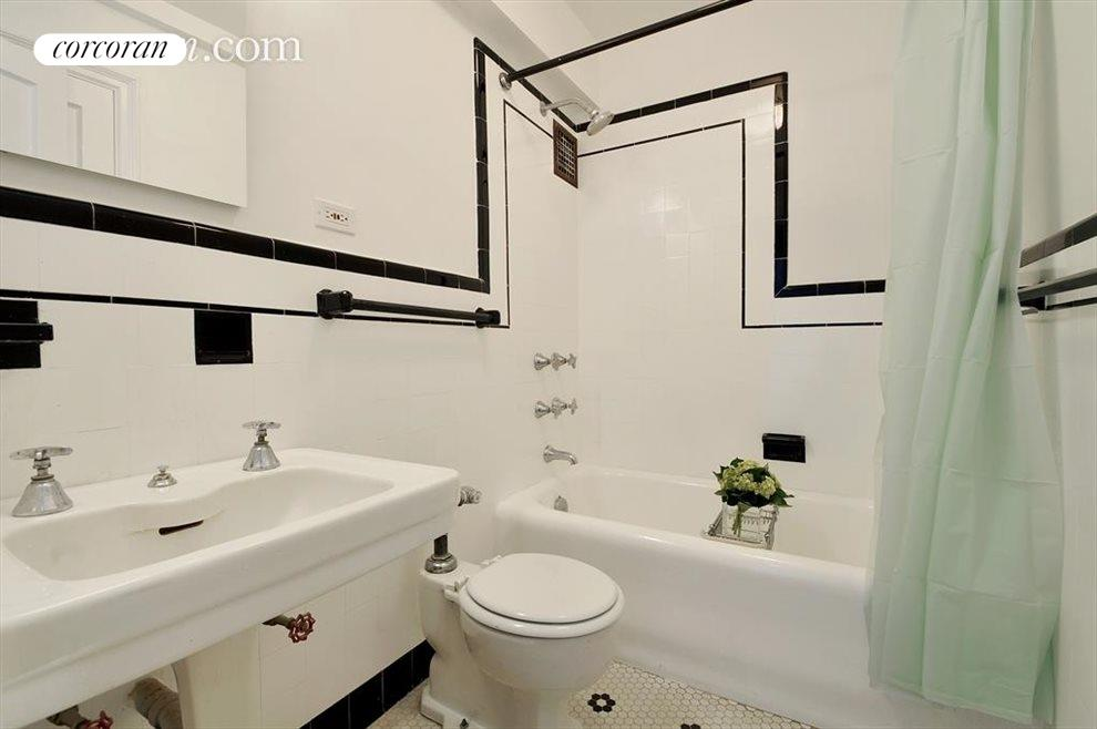 New York City Real Estate | View 200 East 16th Street, #14A | Bathroom