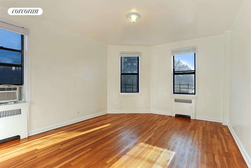 159-34 RIVERSIDE DRIVE WEST, 6D, Living Room