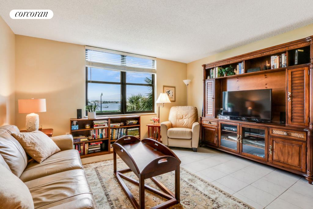 3460 S Ocean Blvd 2100, Living Room