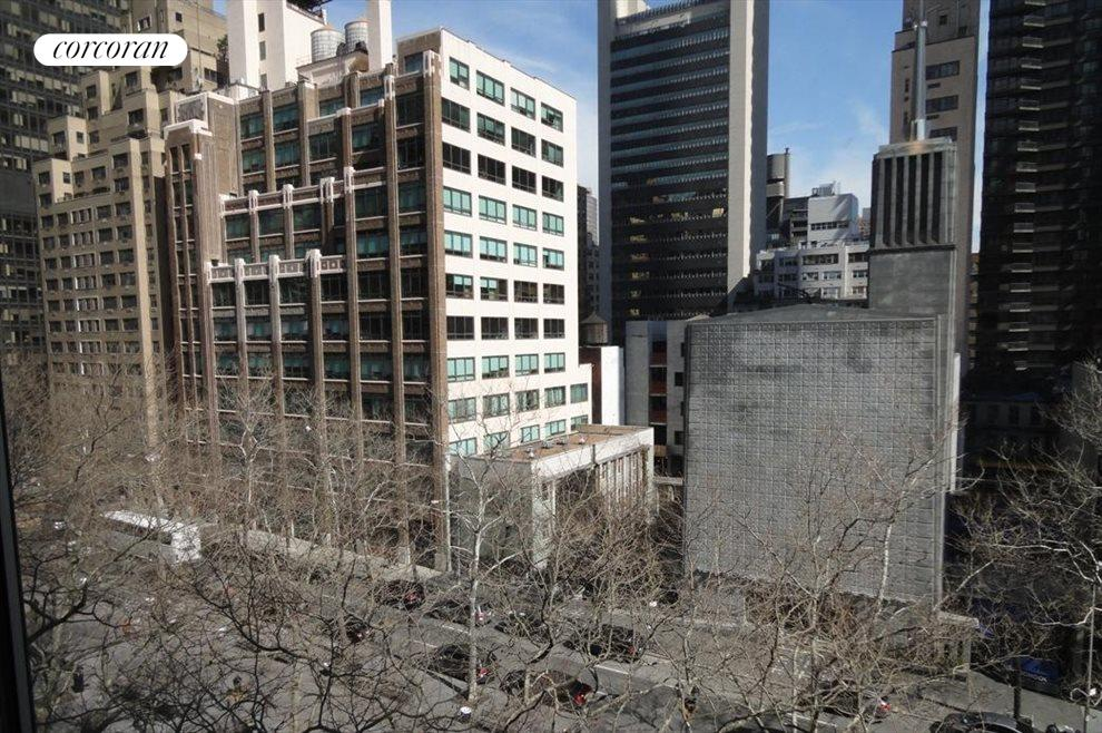 New York City Real Estate | View 333 East 46th Street, #7K | 1 Bath